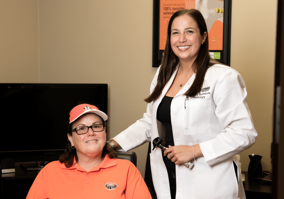 Dr-Robinson-with-Patient.-North-Houston