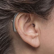 Behind-the-ear hearing aid for severe to profound hearing loss